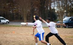 Students score with ultimate frisbee club
