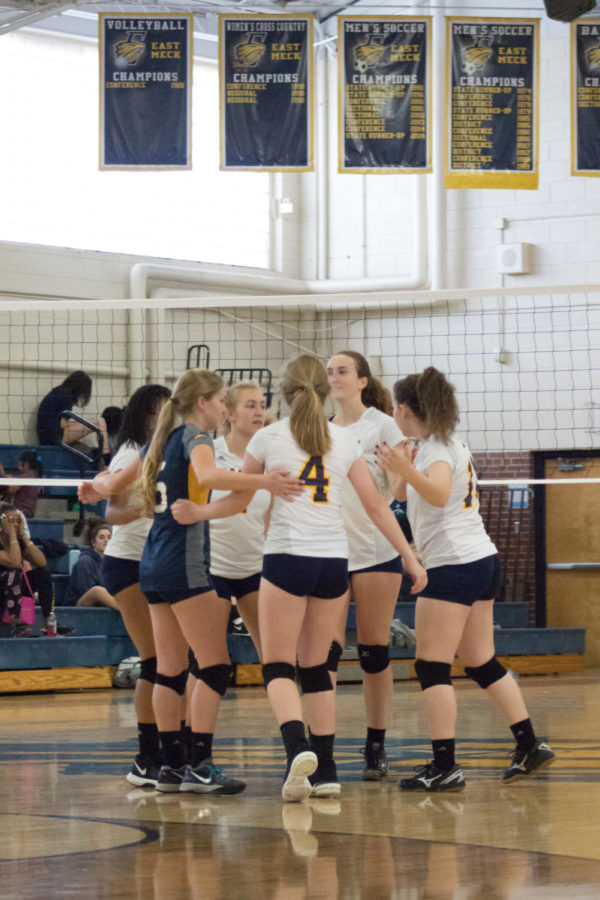 East+Meck+volleyball+struggles+in+loss+to+Myers+Park
