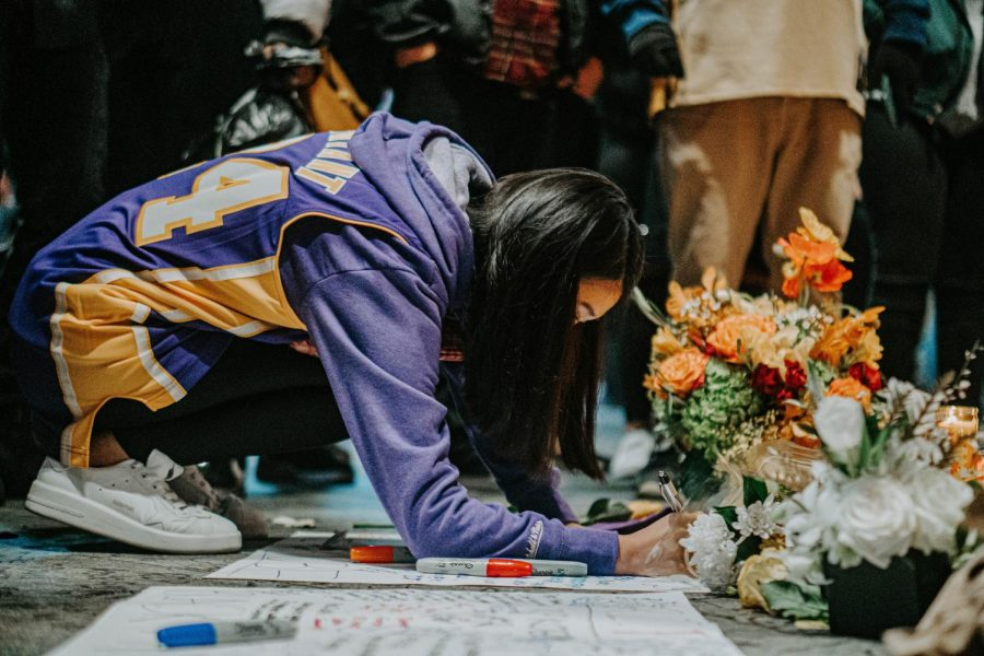 People+in+LA+gather+together+in+front+of+Staples+Center+to+mourn+the+death+of+Kobe+Bryant